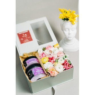 LOVE IS BEAUTIFUL-pachet SPA DERMOACTIVE3 și aranjament floral natural